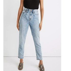 Madewell The Pleated Momjean in Phair Wash 25